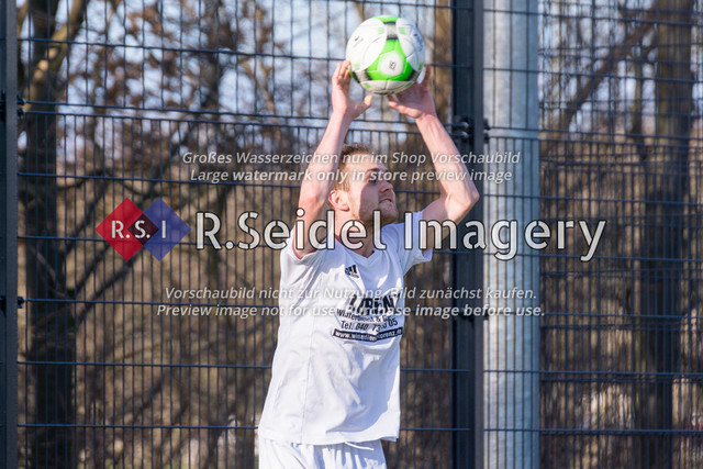 Fußball, Herren, Kreisliga 3, ETSV Hamburg II - SC Vier- und Marschlande III., Mittlerer Landweg, 01.03.2020 | Kevin Kück (#7, SCVM)