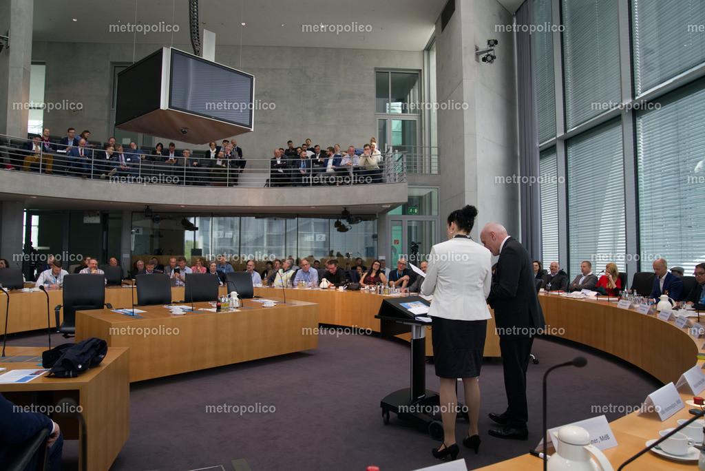 Medienkonferenz Bundestag Plenum Saal freie alternative Medien bei der AfD Fraktion am 10. Mai 2019 im Bundestag (6)