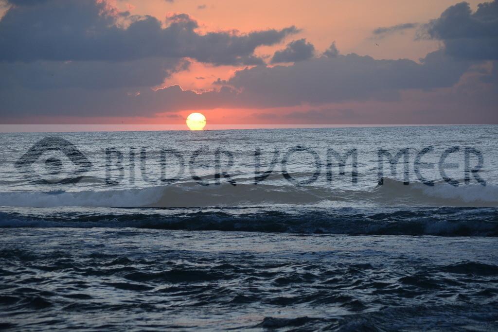 Bilder vom Meer als Wandbild   Sonnenaufgang am Meer als Wandbild