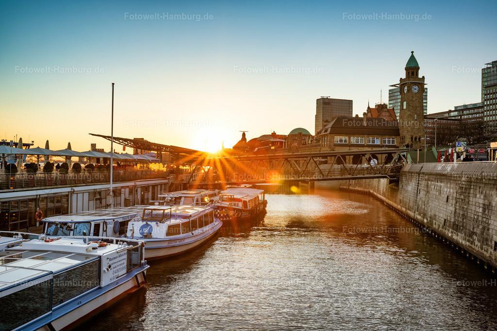 10201102 - Sonnenstrahl | Abendstimmung an den Landungsbrücken