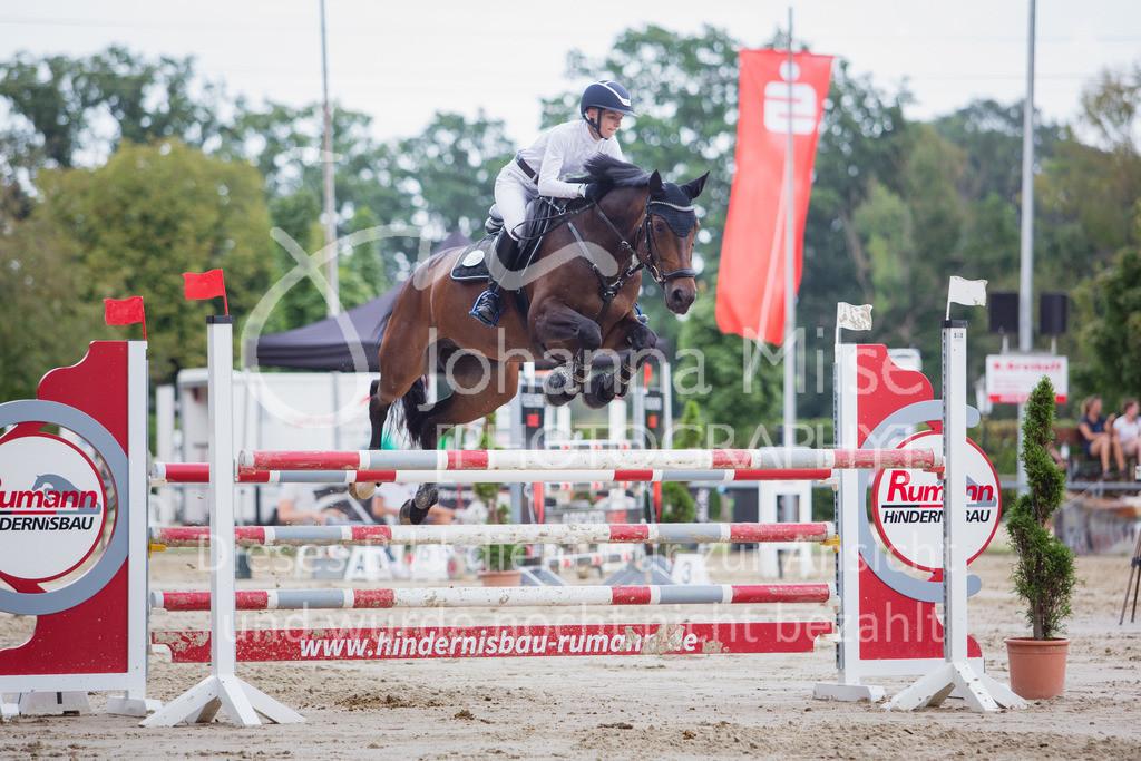 200821_Delbrück_Youngster-M-640   Delbrück Masters 2020 Springprüfung Kl. M* Youngster Springen 6-8jährige Pferde