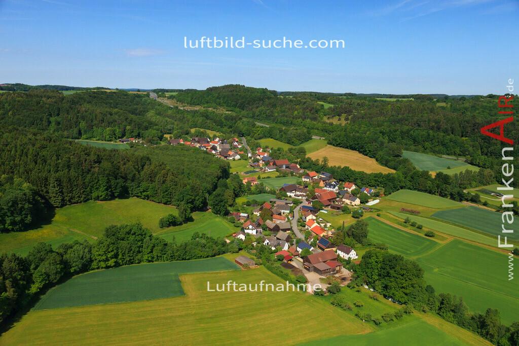 menchau-thurnau-2014-2965   Luftbild von Menchau Thurnau - Luftaufnahme wurde 2014 von https://frankenair.de mittels Flugzeug (keine Drohne) erstellt - die Geschenkidee