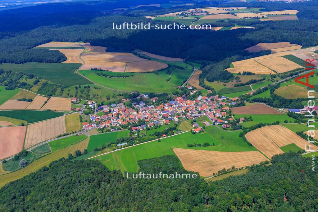 luftaufnahme-oberscheinfeld-17-4900   Luftbild von  Oberscheinfeld - Luftaufnahme wurde 2017 von https://frankenair.de mittels Flugzeug (keine Drohne) erstellt - die Geschenkidee