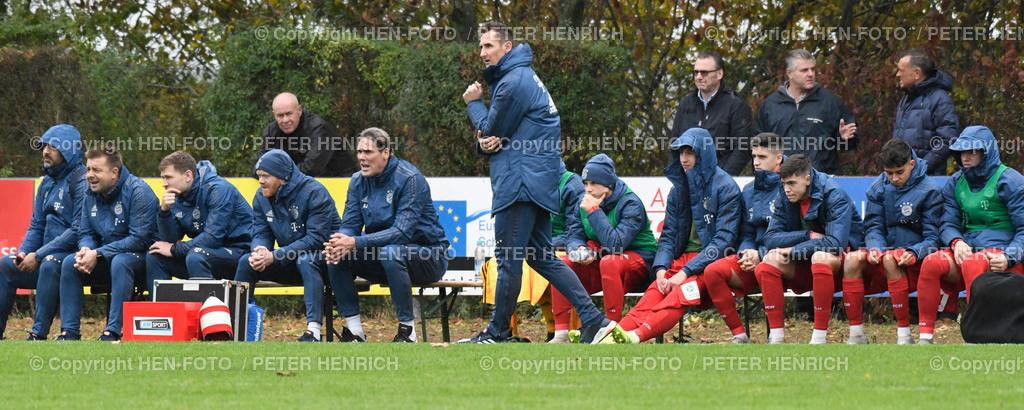Fussball B-Junioren Bundesliga SV Darmstadt 98 - FC Bayern copyright by HEN-FOTO | Fussball B-Junioren Bundesliga SV Darmstadt 98 - FC Bayern (0:3) 20191102 in Rossdorf Trainer Miroslav Klose (B) - copyright by HEN-FOTO - Foto: Peter Henrich