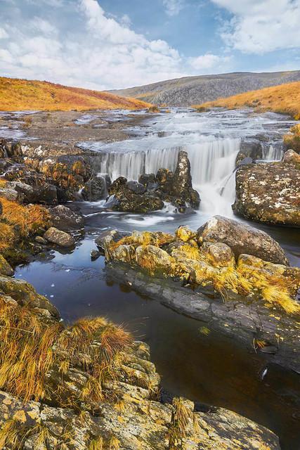 010_Landschaft_Fluss_Grasland_Wales