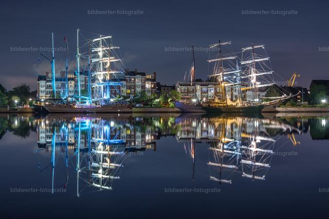 Beleuchtete Segelschiffe   Beleuchtete Segelschiffe beim Wilhelmshaven-Sailing-Cup