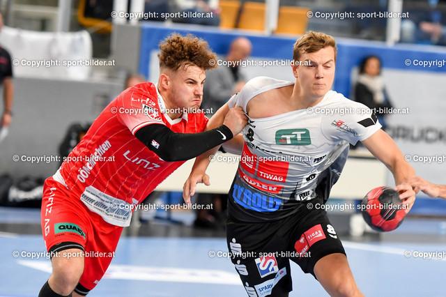 AUT, HLA, HC Linz AG vs Schwaz Handball Tirol | 09.10.2021, Sporthauptschule Linz-Kleinmuenchen, AUT, HLA, HC Linz AG vs  Schwaz Handball Tirol, im Bild Sinisa Sironjic (Linz) vs Sebastian Philipp Spendier (Tirol)