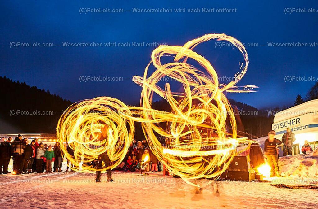 142_FIRE-ICE_Lackenhof | (C) FotoLois.com, Alois Spandl, FIRE & ICE in Lackenhof bei der Schirmbar im Weitental mit der Liveband àlaSKA, Feuershow von FEUERMATRIX, feurige Kulinarik, Pistenraupentaxi und dem großen Abschlussfeuerwerk zum Beginn der Semesterferien, Sa 2. Februar 2019.
