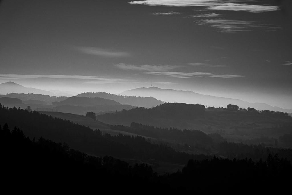 Levels in monochrome | Gestaffelte Berglandschaft