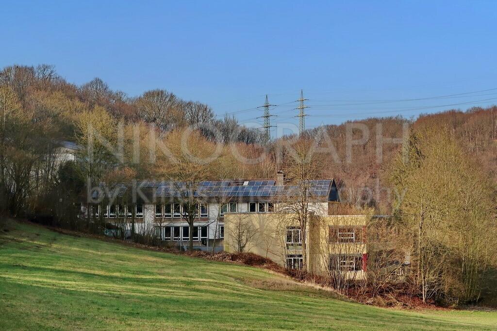 Die Saatschule in Iserlohn | Die Saatschule ist eine Grundschule in Iserlohn. In den fünfziger Jahren hat die seinerzeit selbstständige Gemeinde Oestrich die Saatschule als Volksschule gebaut.