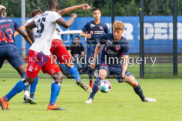 Fußball, Herren, Testspiel, Hamburger SV - FC Midtjylland, HSV-Trainingsplatz am Volksparkstadion, 20.08.2020 | Victor Torp (#39, Midtjylland)