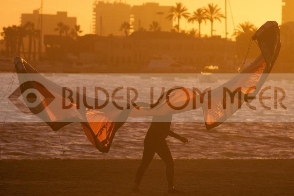 Bilder Sonnenuntergang am Meeer, mit Kite Surfer | Sonnenuntergang am Meer, Bilder San Pedro del Pinatar, MarMenor, Spanien