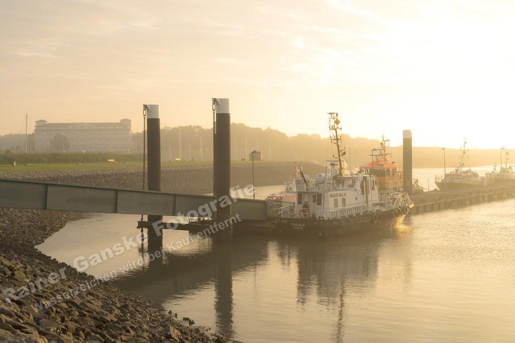 160901-11-Wilhelmshaven Nassauhafen Sonnenaufgang