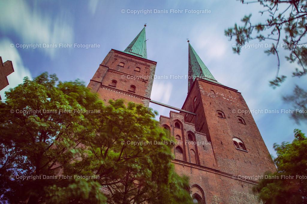 Lübecker Dom | Ziehende Wolken über dem Lübecker Dom.