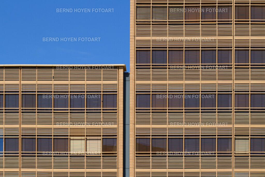 jaloucity | Foto einer modernen Hausfassade in Berlin, Deutschland. | Photo of a modern house facade in Berlin, Germany.