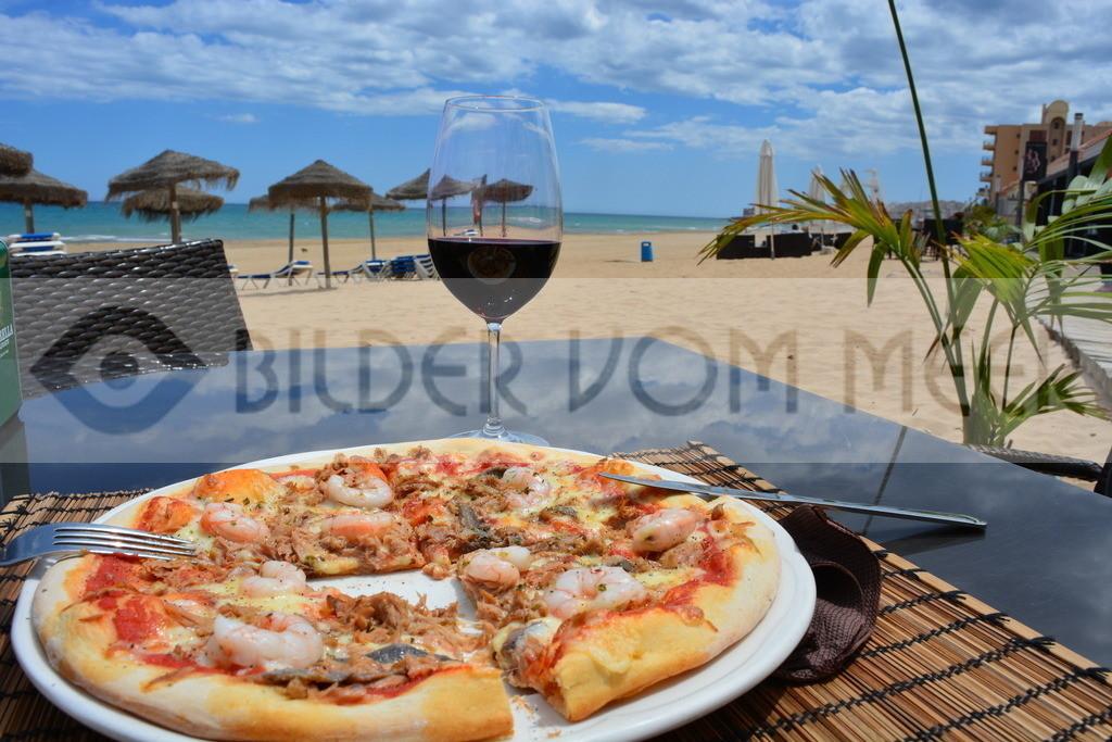 Bilder vom Meer | Bilder vom Meer Pizza am Meer essen La Mata