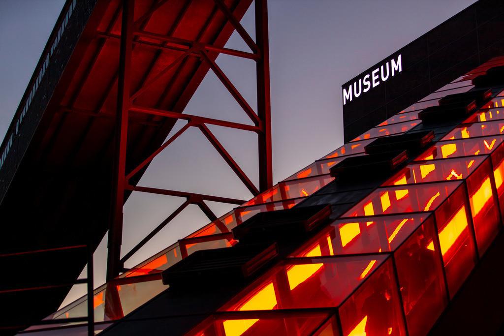 JT-181118-138   Zeche Zollverein in Essen, UNESCO Welterbestätte, Rolltreppe zur Kohlenwäsche, mit dem Ruhrmuseum, Bandbrücken,