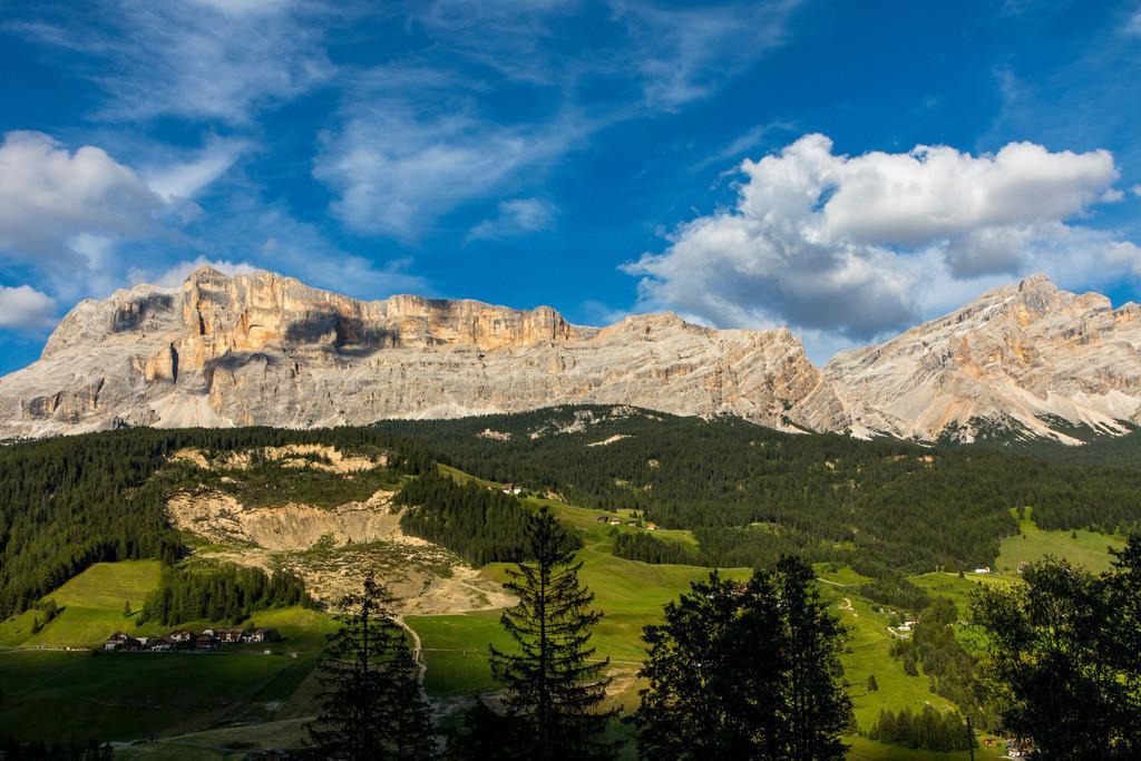 JT-180707-004 | Südtirol, Trentino, Berge der Fanesgruppe, bei Badia, Abtei, Hauptteil des südlichen, oberen Gadertals im Gebirgsmassiven der Dolomiten , Teil des  Naturpark Fanes-Sennes-Prags,  Italien,