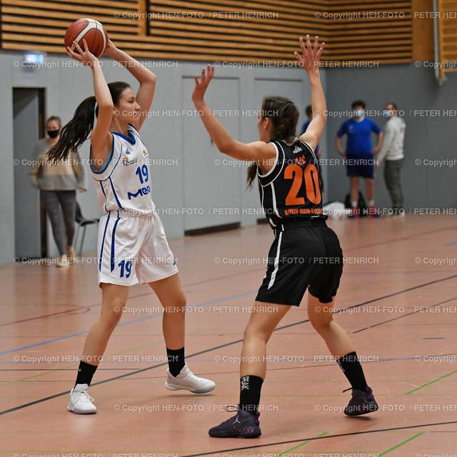 Basketball 2. BuLi Damen SG Weiterstadt - Rhein-Main Baskets 20201025 copyright by HEN-FOTO   Basketball 2. BuLi Damen SG Weiterstadt - Rhein-Main Baskets (62:98) 20201025 li 19 Iman Peljto (W) re 20 Milica Ilic (R) copyright by HEN-FOTO Peter Henrich