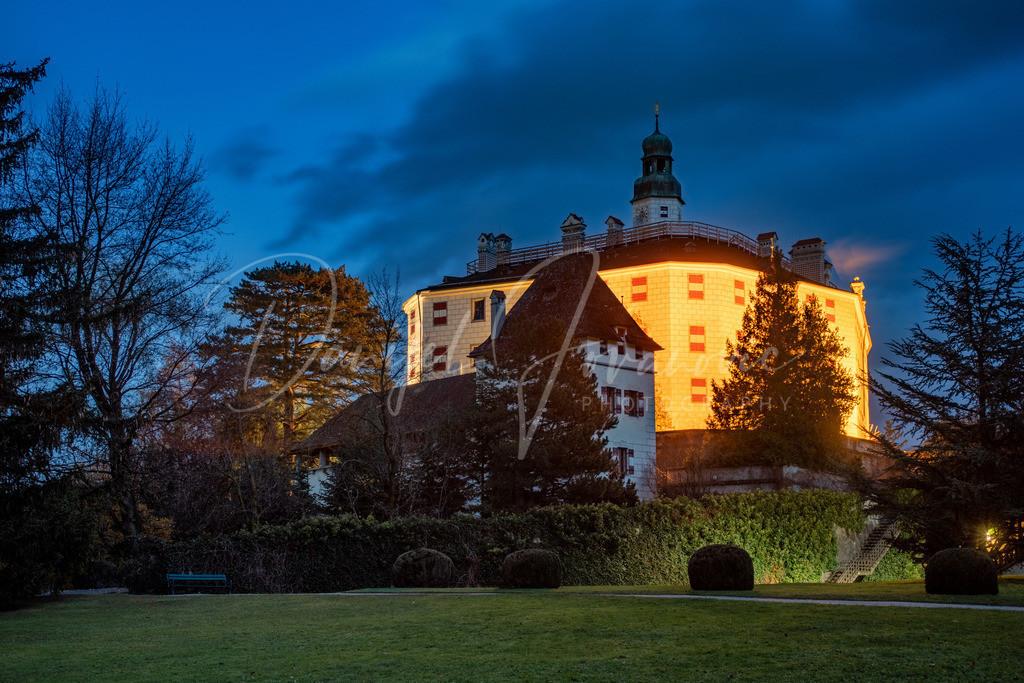 Schloss Ambras | Das Schloss Ambras in der Dämmerung