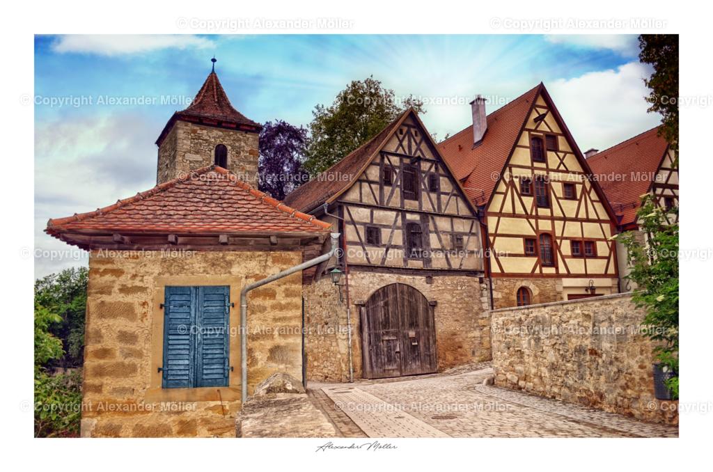 Rothenburg ob der Tauber No.102 | Dieses Werk zeigt die Burggasse von Rothenburg. Der Blick ist auf eine zweite Toranlage zum Burgarten gerichtet.