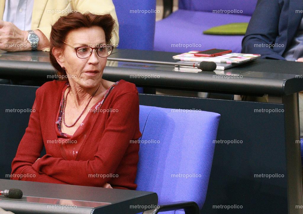 Ulla Jelpke im Bundestag (3)