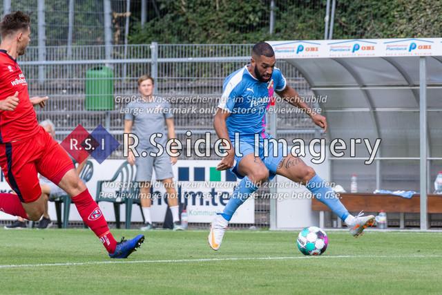 Fußball, Herren, LOTTO-Pokal Halbfinale, FC Eintracht Norderstedt - Altona 93, Edmund-Plambeck-Stadion, 16.08.2020 | Aladji Barrie (#7, AFC, Mittelstürmer)