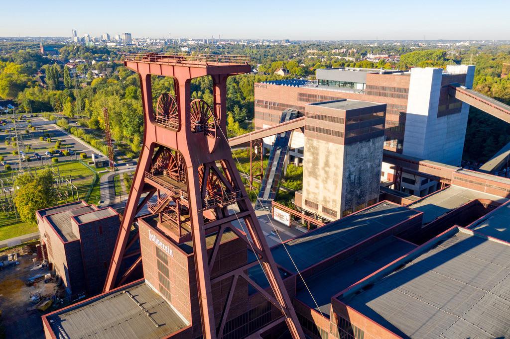 JT-180927-035 | Welterbe Zeche Zollverein in Essen, Doppelbock Fördergerüst von Schacht 12, Ruhrmuseum im Gebäude der ehemaligen Kohlenwäsche,
