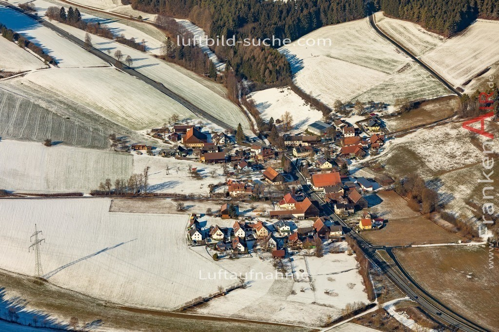 loesau-kulmbach-19-203 | aktuelles Luftbild von Loesau Kulmbach  - Luftaufnahme wurde 2019 von https://frankenair.de mittels Flugzeug (keine Drohne) erstellt.