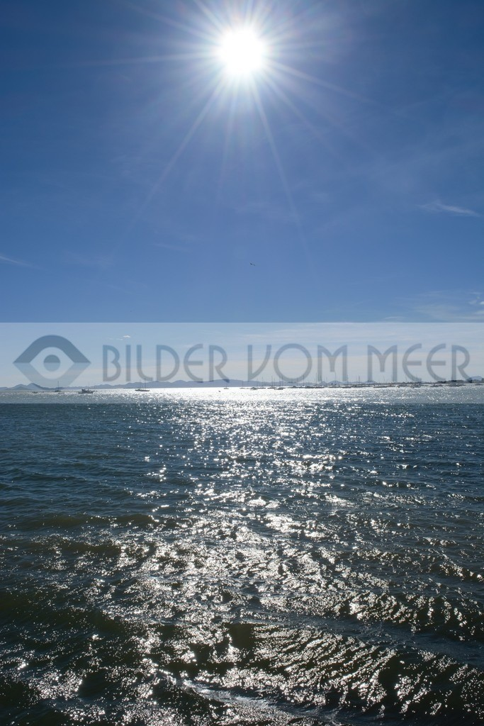Fotoausstellung Bilder vom Meer | Die Sonne reflektiert auf der Meeresoberfläche