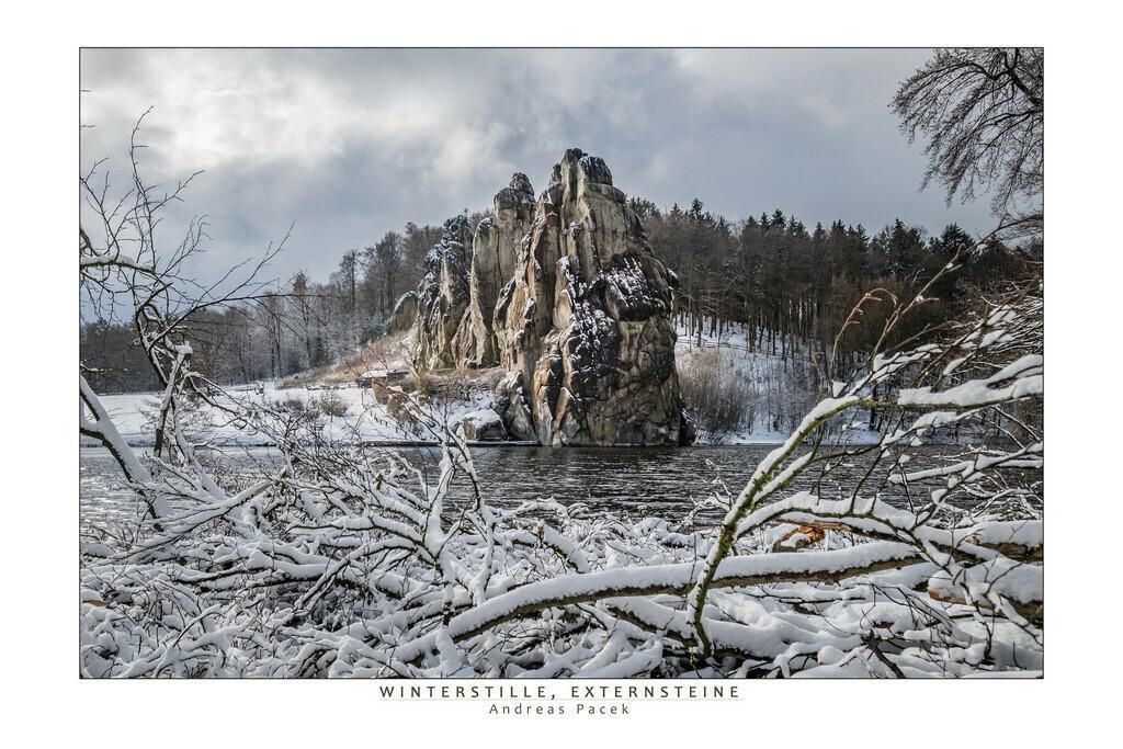 Winterstille, Externsteine | Die Serie 'Deutschlands Landschaften' zeigt die schönsten und wildesten deutschen Landschaften.