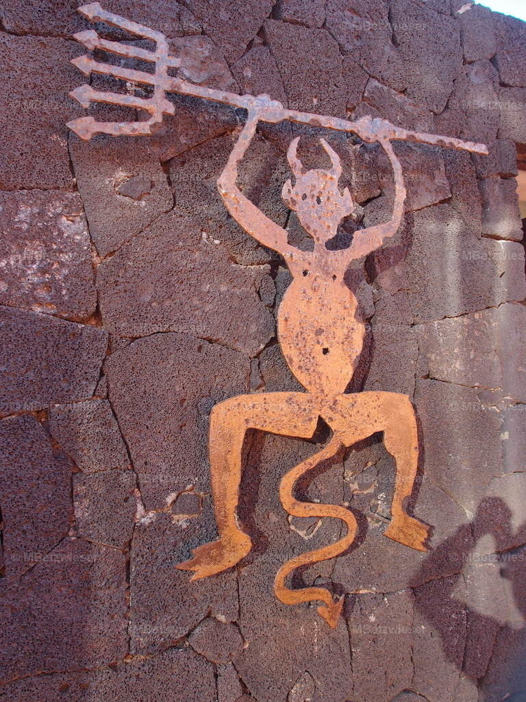P5061000   Teufel im Timanfaya von César Manrique