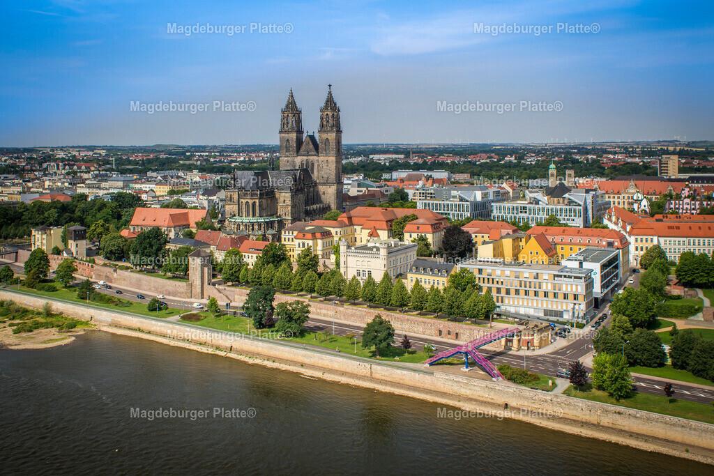 Luftbild Magdeburg Dom Stadtpark MDR Hypar-5557