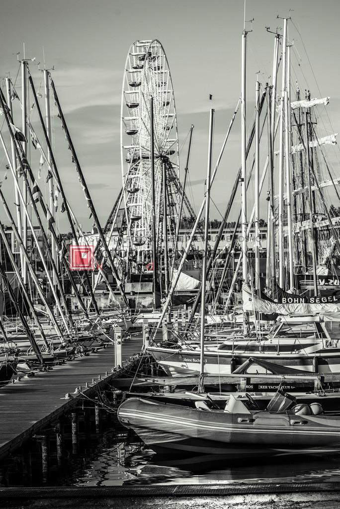 _Marko_Berkholz_mberkholz_Hansesail_MBE6251 | Die Bildergalerie Hansesail Rostock des Warnemünder Fotografen Marko Berkholz zeigt Aufnahmen, der größten maritimen Veranstaltung die in Rostock seit dem Jahr 1991 stattfindet. Hier treffen sich jedes Jahr Traditionssegler aus aller Welt.