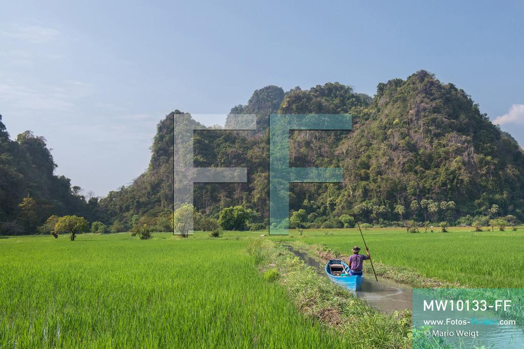 MW10133-FF | Myanmar | Hpa-an | Reportage: Zin mag Thanaka-Paste | Zin's Dorf ist von einer wunderschönen Landschaft umgeben. Die 7-jährige Nwe Zin Aye lebt im Dorf La Ka Nha nahe der Stadt Hpa-an. Sie bemalt gern ihr Gesicht mit Thanaka-Paste. Nach der burmesischen Tradtition tragen fast alle Mädchen und Frauen diese Art von Schminke.   ** Feindaten bitte anfragen bei Mario Weigt Photography, info@asia-stories.com