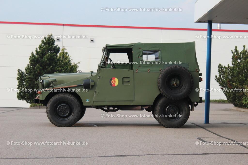 IFA P 3 KdoW Kommandowagen KbW 4x4, 1962-66 | IFA P 3 KdoW Kommandowagen 2 Türen (NVA), Farbe: Oliv, Bauzeit 1962-66, KbW Kübelwagen 4x4, Motor: Sechszylinder-Ottomotor (Typ OM6-35L), Hubraum 2407 cm³, Leistung 75 PS, Vmax. 95 km/h, Hersteller: SDAG Wismut und VEB Industriewerk Ludwigsfelde (IWL) bzw VEB IFA-Automobilwerk Ludwigsfelde, DDR