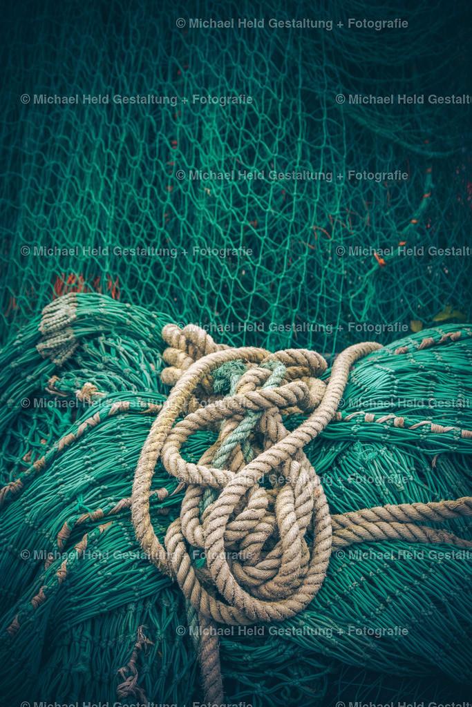 Fischernetz   Netze mit Tauwerk im Kappelner Hafen an der Schlei