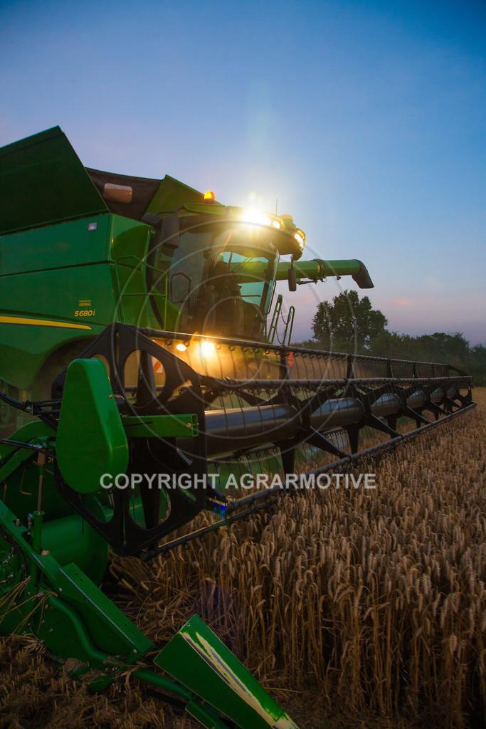 20120817-_MG_8786 | Weizenernte in der Dämmerung