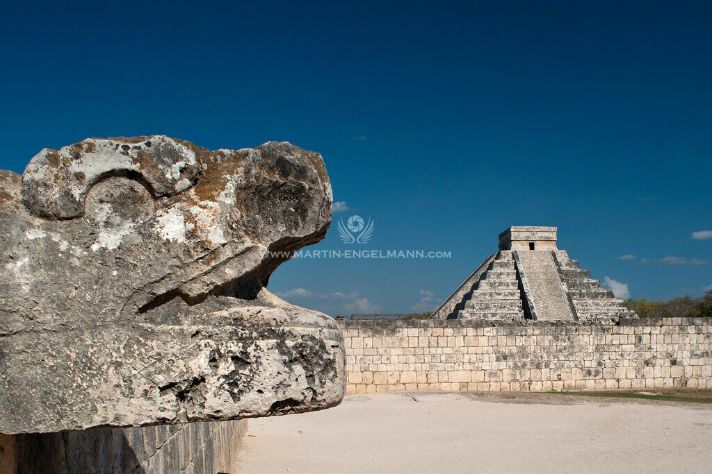 20090425-_DSC2151-fertig | Mexiko, Yucatan, Chichen Itza, Tempel Kukulkan, gefiederte Schlange