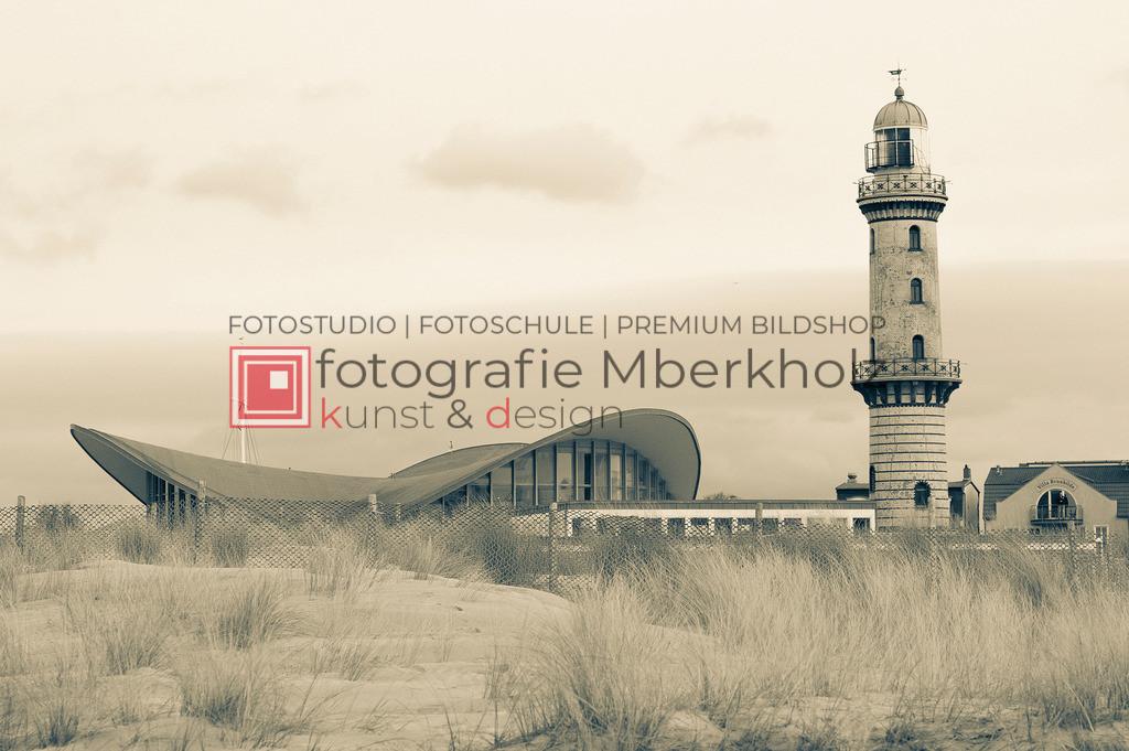_Marko_Berkholz_mberkholz_MBE2104   Die Bildergalerie Warnemünder Leuchturm des Fotografen Marko Berkholz, zeigen Tag und Nachtaufnahmen aus unterschiedlichen Perspektiven des über 100 Jahre alten Leuchtturms im Ostseebad Warnemünde.