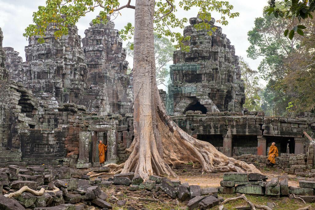 Angkor | Moenche im Khmer-Tempel Banteay Kdei in Angkor