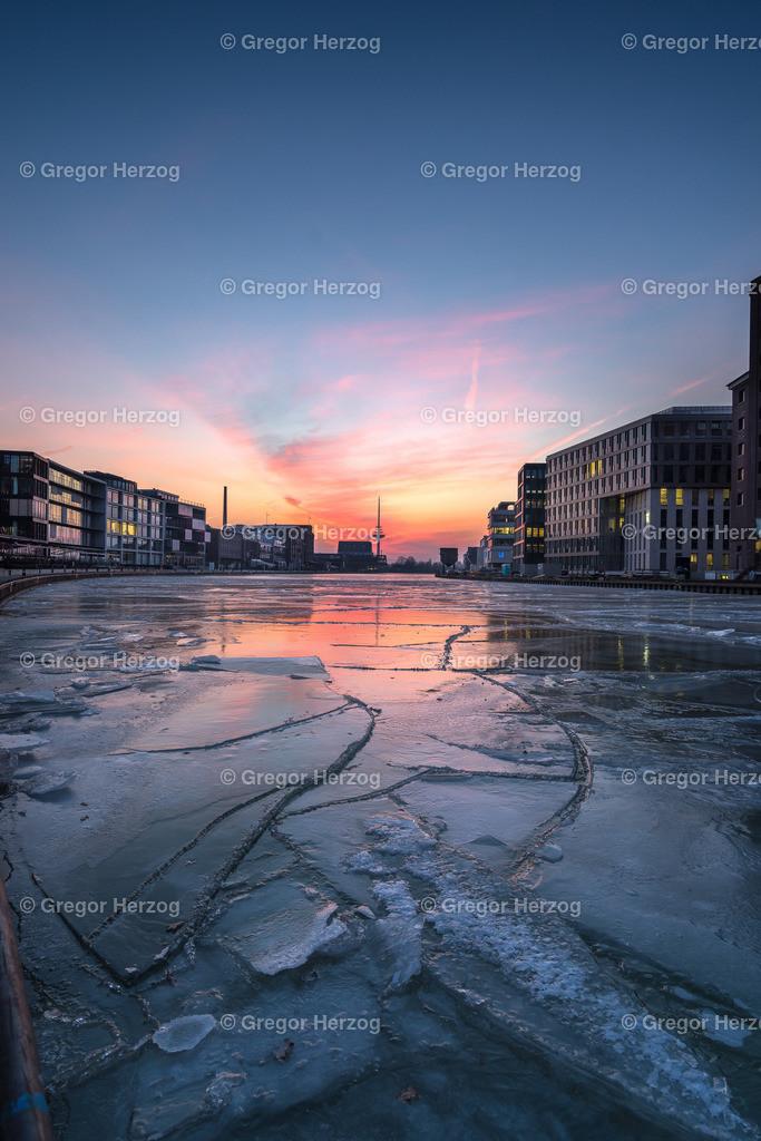 Eisiger Hafen | Im März 2018