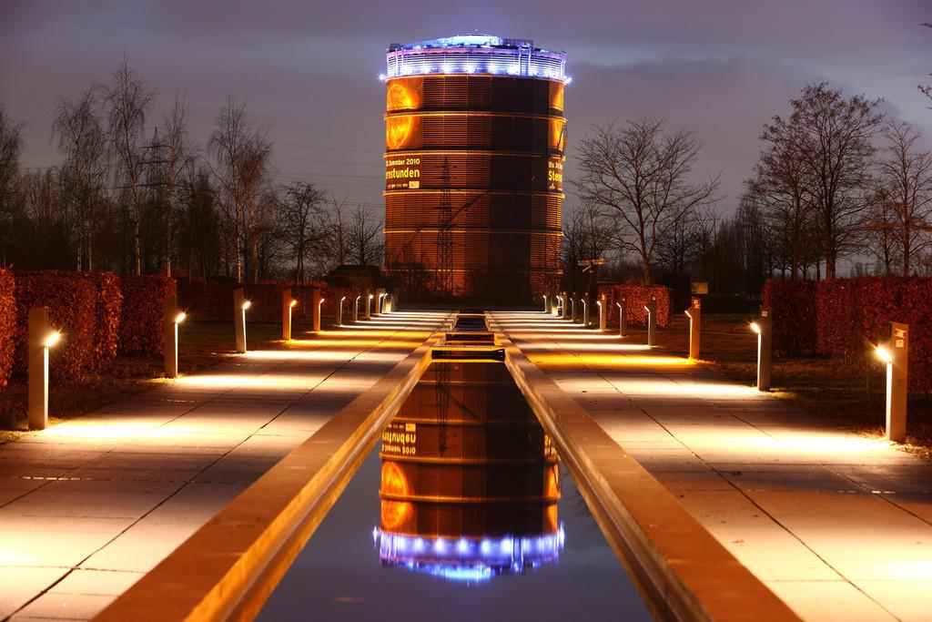 JT-100316-009 | Der Gasometer Blick vom Olga-Park her, Oberhausen, Ruhrgebiet, NRW, Deutschland, E