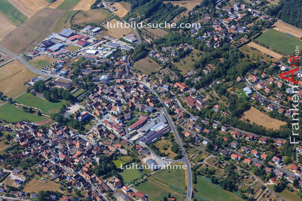 niederndorf-burghaslach-2015-4990 | Luftbild von Niederndorf Burghaslach - Luftaufnahme wurde 2015 von https://frankenair.de mittels Flugzeug (keine Drohne) erstellt - die Geschenkidee