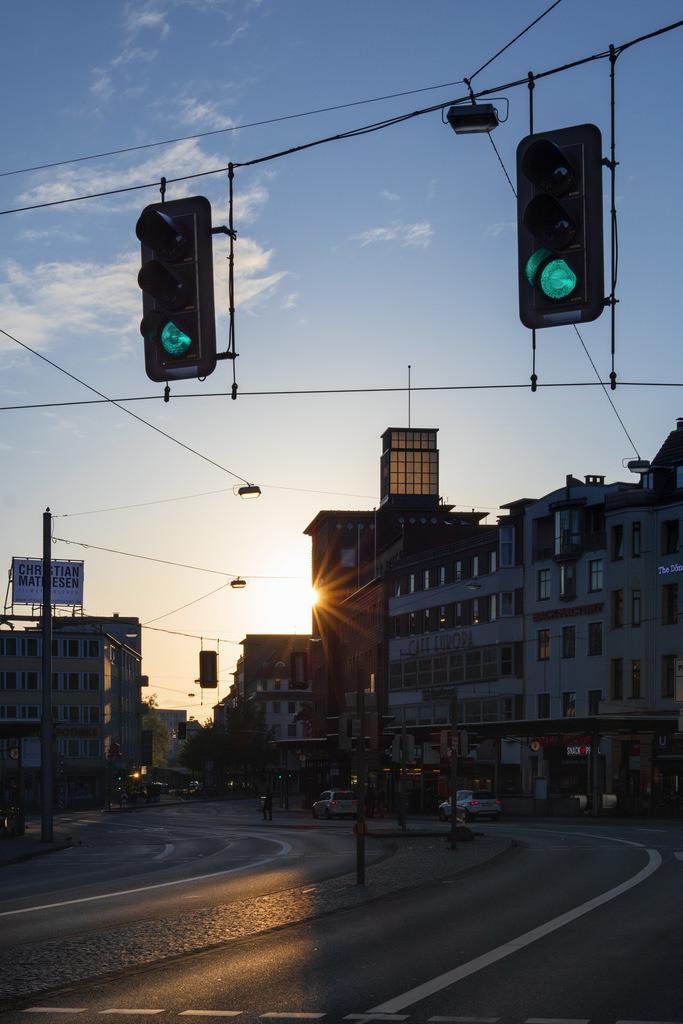 Jahnplatz bei Sonnenaufgang | Sonnenaufgang auf dem Jahnplatz in Bielefeld.