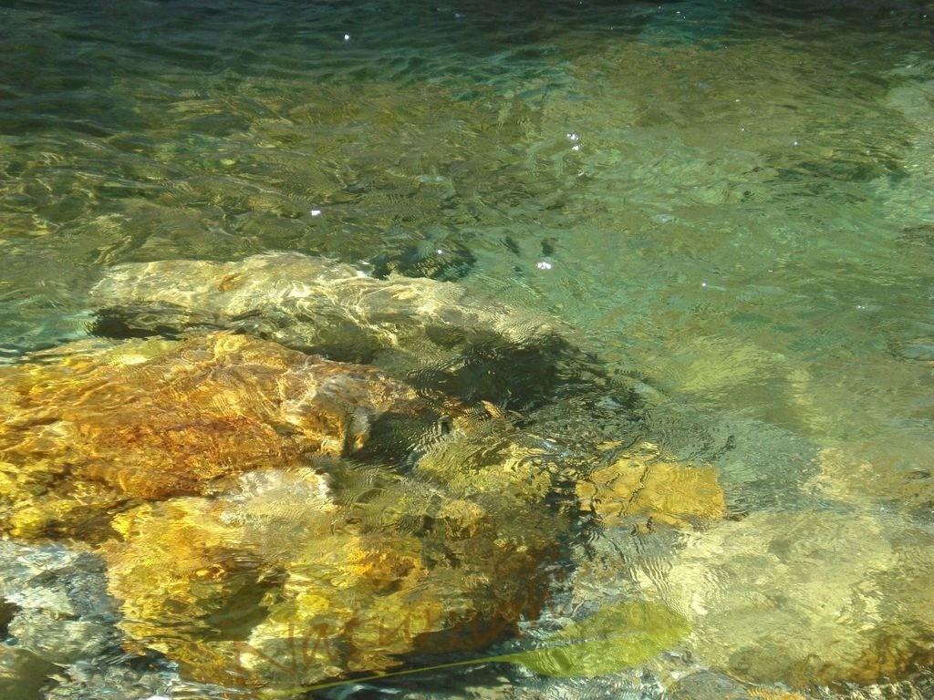 Im Fluss sein | Wundervolles grünschimmerndes Wasser lädt Dich ein, Dich dem Flow hinzugeben - traue Dich!