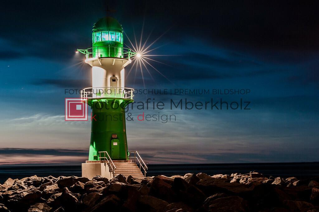 _MBE7882   Die Bildergalerie Warnemünder Leuchtfeuer des Fotografen Marko Berkholz zeigt die Leuchtfeuer und die Hafeneinfahrt bei Tag, in der Nacht und außergewöhnlichen Langzeitbelichtungen auch unter Einbeziehung des digitalen Fotolabors.