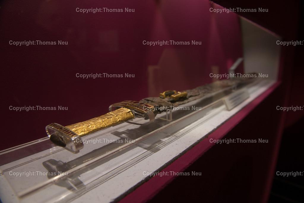 Vorfahren_Museum-21 | Bensheim,Stadtmagazin 39, Museum,vergessene Vorfahren, prunkvolles Schwert, Grabbeilage,  , ,, Bild: Thomas Neu