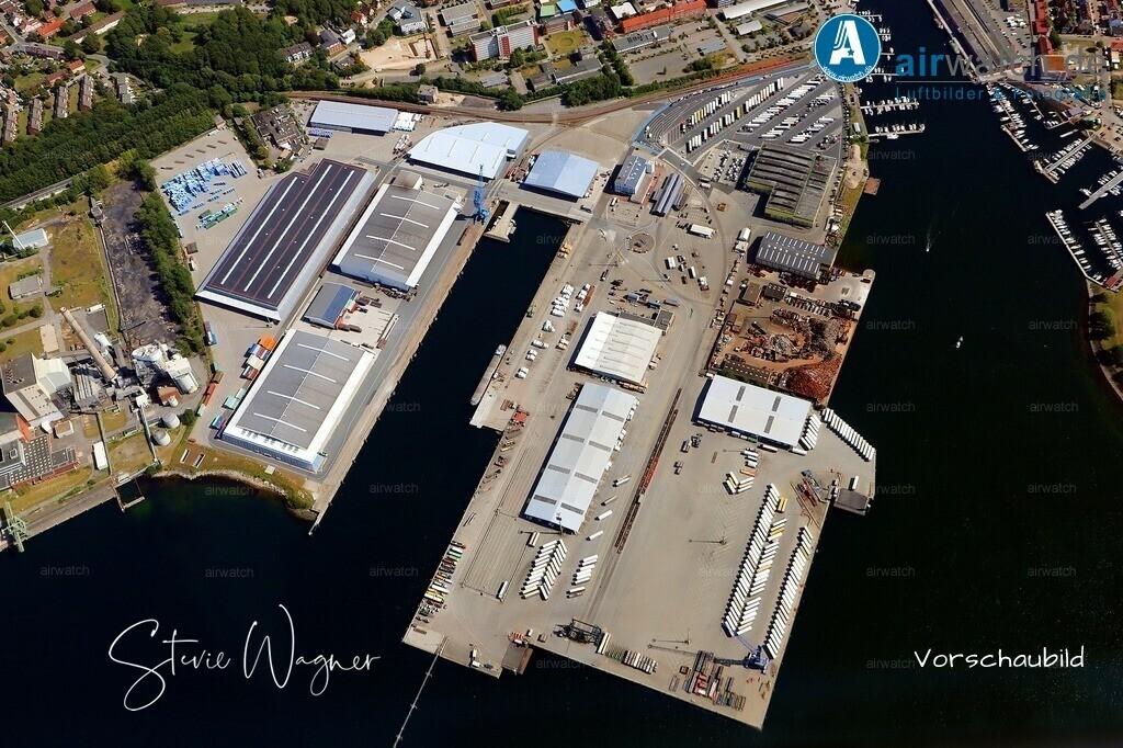 Kiel, Kreuzfahrtterminal, Kieler Schrotthandel, Ostuferhafen   Kiel, Kreuzfahrtterminal, Kieler Schrotthandel, Ostuferhafen