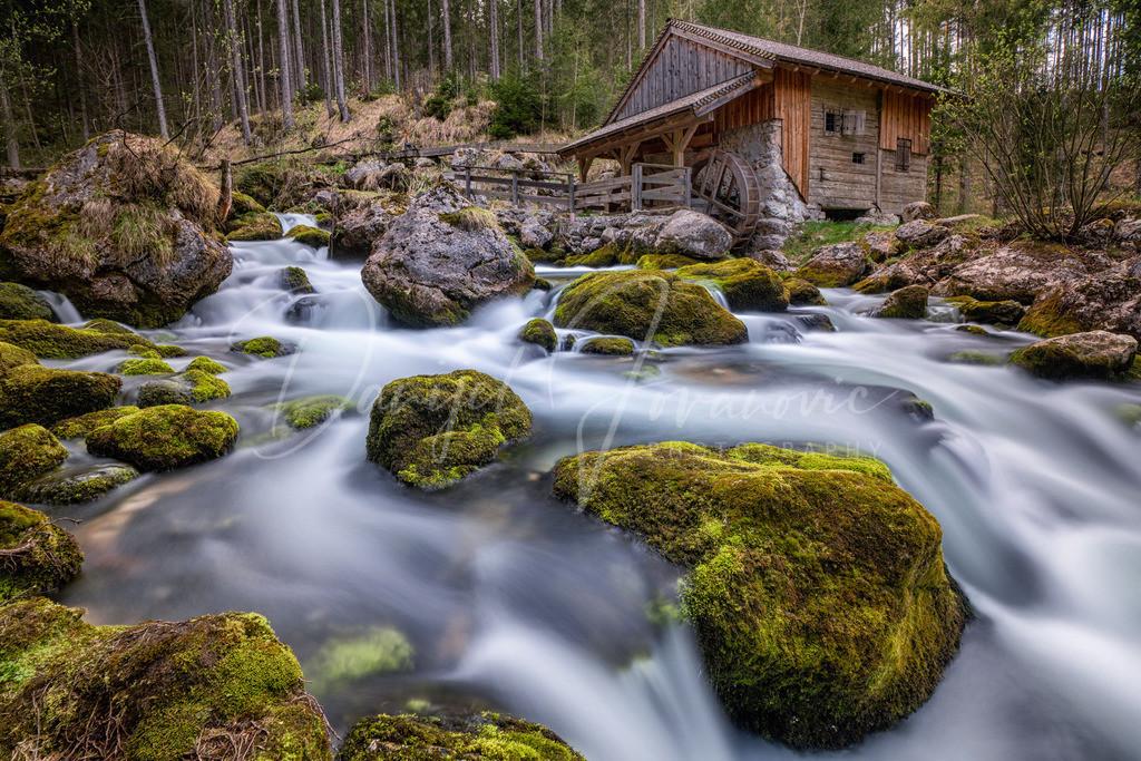 Gollinger Wasserfall   Wassermühle am Gollinger Wasserfall